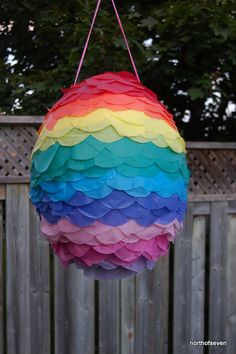 The making of a DIY Rainbow Pinata