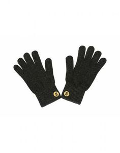Touchscreen Gloves    These specially designed conductive gloves make it easy to craft the perfect Instagram, without exposing your fingers to the cooler weather.  To buy: $20, glove.ly.