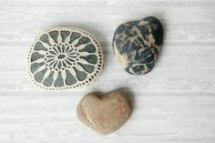 crochet lace stone // rustic beach // river rock // cottage chic // Wedding decor // flower // ring bearer pillow by Tabletopjewels