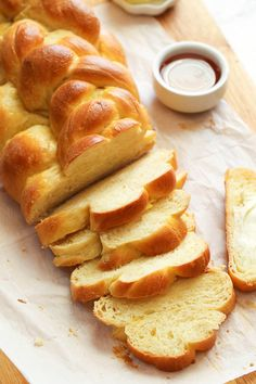 Challah Bread – braided loaf bread with a gorgeous golden brown exterior and a supple interior. A perfect holiday or Easter spread. Rich, slightly sweetened and easy to make, too! Challah Bread Recipes, Best Challah Recipe, Butter Bread Recipe, Brioche Recipe, Brioche Bread, Challa Bread, Picky Eaters Kids, Bread Baking, Baked Goods