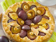 Pflaumenkuchen | Zeit: 20 Min. | http://eatsmarter.de/rezepte/pflaumenkuchen-1