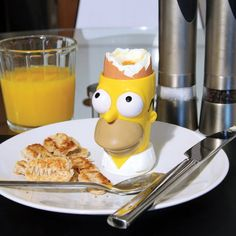I do no not know why I think this is SO funny! LOL, just look at it.  Simpsons Egg and Toast Set