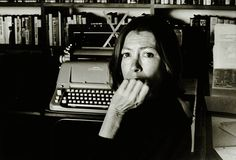 Joan Didion with her typewriter in Brentwood, 1988 (Photograph: Nancy Ellison)