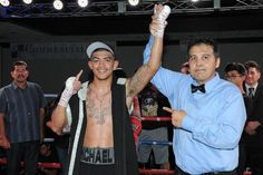 """http://realcombatmedia.com/2017/06/michael-dutchover-remains-undefeated-path-glory-ontario-ca/Follow  Michael Dutchover remains undefeated at """"Path to Glory"""" in Ontario, CA ORANGE, Calif./PHILADELPHIA, Penn.(June 26, 2017) – Junior lightweight Michael Dutchover (5-0, 4 KOs) used an array of skills to defeat Miguel Carrizoza (10-2, 2 KOs) by unanimous decisionfrom the Doubletree Hotel in Ontario, Calif. Dutchover controlled the fight by mixing a powerful …"""
