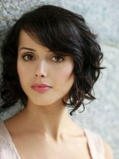 Thirty Ideal Brief Curly Hairstyles 2013 – 2014 Classy Short Curly Bob  Read more http://www.heygirl.net/women-hairstyles/thirty-ideal-brief-curly-hairstyles-2013-2014/