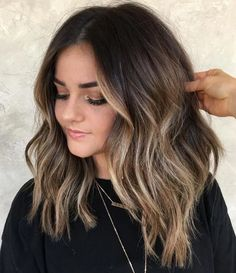 25 Ideas for Light Brown Hair with Highlights and Lowlights – hariankoran Related posts: 30 Modern Balayage Ombre Hair Color Highlights You. Brown Hair With Highlights And Lowlights, Brown Hair Balayage, Hair Color Highlights, Hair Color Balayage, Balayage Hair Brunette Medium, Long Bob Balayage, Brown Medium Length Hair With Highlights, Highlights For Brunettes, Ombre Hair Color For Brunettes