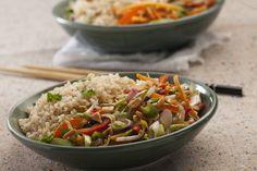 Salteado de vegetales estilo oriental con arroz yamani / Yamani rice wok with vegetables./ Photography by #fernandabonserio / food styling by #nataliacaneva