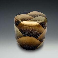 棗(なつめ) Natsume. Japanese lacquered tea box or caddy.