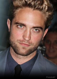 One of the best pics of Rob I've ever seen....... and that's saying something!