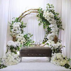 Wedding Backdrop Design, Wedding Stage Design, Wedding Hall Decorations, Wedding Reception Backdrop, Wedding Mandap, Backdrop Decorations, Wedding Table, Wedding Ceiling, Indian Wedding Receptions