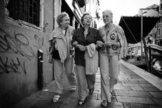 3 venetian ladies street photography shooting from the hip