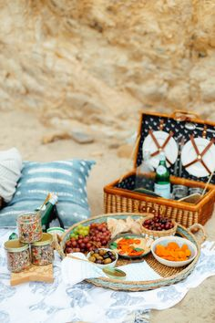 Mediterranean Inspired Summer Beach Picnic! - Filled with a hummus entertaining board, American Garlic Lamb Pita pockets, Quinoa Lemon Salad and tons of prosecco!