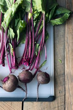 Roasted beets are incredibly healthy, mildly sweet, and they add a beautiful color and appealing texture to so many meals. Beet Recipes, Vegetable Recipes, Real Food Recipes, Cooking Recipes, Easy Recipes, Healthy Recipes, Salad Recipes, Vegetable Garden, Vegetables