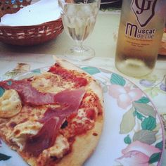 Pizza corse et muscat mioum#pizza #corse #corsica #favona #muscat - @albertineinparis- #webstagram