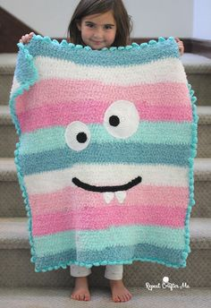 Crochet Monster Blanket with Bernat Pipsqueak Stripes – Repeat Crafter Me – Knitting For Beginners Crochet Afghans, Afghan Crochet Patterns, Baby Blanket Crochet, Baby Patterns, Crochet Bedspread, Knitting Patterns, Kids Knitting, Crochet Blankets, Crochet Bebe