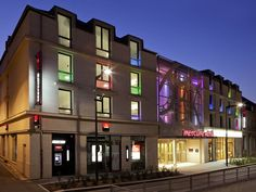 Mercure Chartres Centre Cathédrale Hotel 3, rue du Géneral-Koenig, 2800 Chartres  Tel: (+33)2/37331111  Located opposite Chartres cathedral and 2 minutes on foot to the station, the designer Mercure Chartres Cathédrale has modern, air-conditioned and sound-proofed rooms.  Just outside Paris and the châteaux of the Loire, Chartres is known around the world for its UNESCO World Heritage Site, Chartres Cathedral.   The hotel has changed name, before: Hotel de la Poste