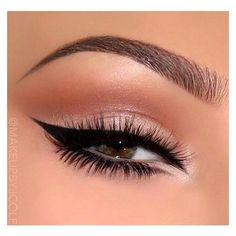 Neutral eyes with gorgeous glam liner … (Beauty Nails Winged Eyeliner) Makeup Eye Looks, Eye Makeup Art, Cute Makeup, Gorgeous Makeup, Pretty Makeup, Skin Makeup, Eyeshadow Makeup, Glitter Eyeshadow, Cat Eyeliner