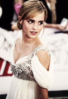 Emma Watson i am so in love with that dress