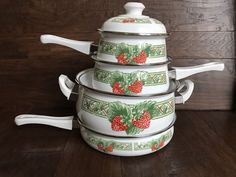 NEW OLD STOCK NOS GIBSON STRAWBERRY ENAMELWARE RED WHITE GREEN COOKWARE SET #Gibson