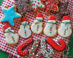 Galleticas navideñas White Christmas, Sugar, Cookies, Desserts, Food, Recipes, Gastronomia, Colorful, Cooking Recipes