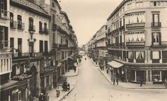 #Málaga. Calle Marqués de Larios. Años 50 Costa, Street View, Sun, The Neighborhood, Street, 19th Century, Antigua, Fotografia, Earth