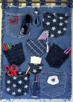 Denim Wall Organizer Handmade from Recycled Blue Jean Denim with Lots of Pockets, Decorative Embellishments and Fringed Edges Mehr Jean Crafts, Denim Crafts, Artisanats Denim, Denim Rug, Sewing Crafts, Sewing Projects, Denim Flowers, Denim Ideas, Old Jeans