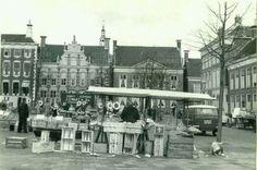 Ossemarkt Groningen 1960 bron..serc.nl