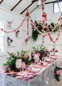 35 Bridal Shower Ideas We are currently Crushing On - Hochzeitstipps und Ideen - Hochzeitsblumen Floral Garland, Flower Garlands, Floral Chandelier, Valentine Decorations, Wedding Decorations, Floral Decorations, 21st Party Decorations, Spring Decorations, Party Centerpieces