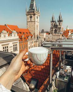 victoria_barkova Прекрасного дня, друзья! ❤️ Где бы вы хотели сейчас оказаться? 🌎 #vic_tory_b_travelling