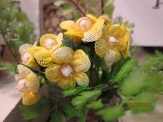 1bunch has 8 flowers  Color-Yellow