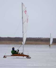 I want an ice boat!!  I want to ice boat on the Navesink River.
