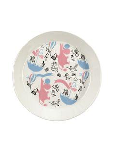 Arabia Muumi Stockmann -lautanen 19 cm | Lautaset ja kulhot | Koti | Stockmann.com Moomin, Decorative Plates, Ceramics, Mugs, Tableware, Design, Home Decor, Troll, Finland