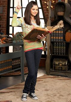 Alex Russo Actress: Selena Gomez Show: Wizards of Waverly Place Year: 2007-2012