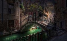 Venetian paths by Maurizio Fecchio on 500px