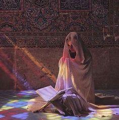 Muslim Girls, Muslim Women, Girl Photo Poses, Girl Photos, Muslim Photos, Pink Clouds Wallpaper, Spiritual Photos, Persian Girls, Prayer For The Day