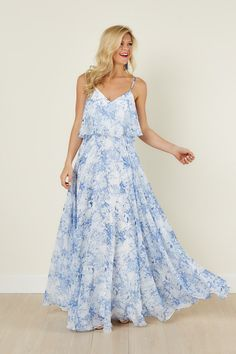See what's new today at Red Dress. Red Dress has new arrivals on the latest dresses, clothes and shoes for women. Blue Floral Maxi Dress, Floaty Dress, Blue And White Dress, Dress Red, Pretty Dresses, Beautiful Dresses, Fall Fashion Outfits, Women's Fashion, Latest Dress