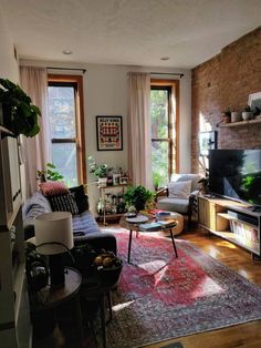 Cozy Apartment, Apartment Design, Apartment Living, Brooklyn Apartment, Home Interior Design, Interior Architecture, Home And Deco, Bungalows, Dream Rooms