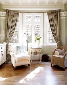 home renovation diy remodeling ideas House Styles, 1900s House, House Design, Old Home Remodel, Interior Design, House, House Restoration, Home Remodeling, Old House Decorating