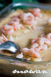 Min mamma är en riktig hejare på att laga mat, och idag bjödhon mig på en helt underbar fiskrätt, där smaken riktigt smälte i munnen. Helt klart ett riktigt lyckat fiskrecept, som jag trorinte man … Shrimp Dishes, Swedish Recipes, Fish And Seafood, Seafood Recipes, Love Food, Main Dishes, Cake Recipes, Food And Drink, Lunch