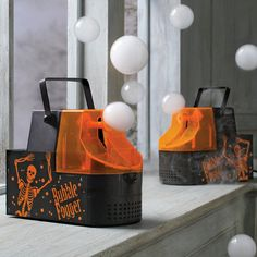 The fog filled bubbles machine is a bubble maker that blows out bubbles that are filled with fog, and would be a great addition to your next halloween party, disco, hootenanny, or rave. The fog filled...
