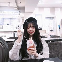 Read from the story Ulzzang photos by levelhope (goulougoulou🐒) with reads. Uzzlang Girl, Korean Beauty, Asian Beauty, Korean Girl Fashion, Ulzzang Korean Girl, Ulzzang Girl Selca, Looks Halloween, Korean Couple, Maquillaje Halloween