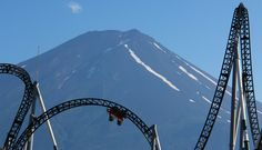 Japan's classic theme parks and how much it costs to get in them! #themepark #japan