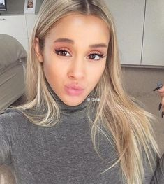 Dizzy Grinning – Stunningly Beautiful Modles from me to you! Brown Blonde Hair, Dark Hair, Tammy Hembrow, Honey Hair, Beautiful Lips, Beautiful Females, Cool Hair Color, Hair Colors, Dream Hair