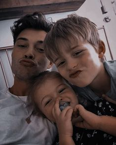 Cute Little Baby, Cute Baby Girl, Little Babies, Cute Babies, Cute Family, Baby Family, Family Goals, Father And Baby, Dad Baby