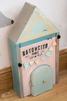 casita del ratoncito Perez Diy - hadas y cuscus Fun Crafts For Kids, Diy For Kids, Diy And Crafts, Arts And Crafts, First Tooth, Tooth Fairy, Wood Toys, Diy Toys, Mini Albums