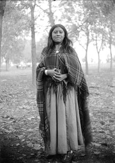 A young Ute woman. Photo from 1880-1900.