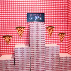 Pizza restaurant PLY shows film shorts as an appetiser to grand opening... http://www.we-heart.com/2014/08/12/plyin90seconds-at-ply-northern-quarter-manchester/