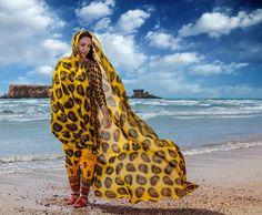 Bandari girl in traditional local dress, Naz Island coast, Qeshm Island, Persian Gulf, Hormuzgan province, Iran (Persian: دختر زیبای قشمی در لباس زیبای محلی - قشم ساحل جزایر ناز) Photo by: © Mansour Vahdani