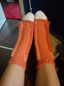 Crochet Socks, Bind Off, Leg Warmers, Fingerless Gloves, Slippers, Knitting, Converse, Fashion, Socks