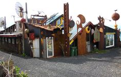 Hrafn Gunnlaugsson, Laugarnestangi sculptures, (Iceland) this is the home of the artist. More information;  http://poppygall.com/blog/2011/05/19/design-inspiration-%E2%80%93-the-raven%E2%80%99s-nest/